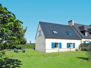 3 bedroom Villa in Plounéour-Trez, Brittany, France : ref 5650520