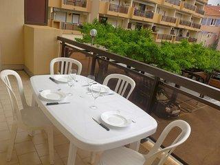 1 bedroom Apartment in Le Lavandou, Provence-Alpes-Côte d'Azur, France : ref 505
