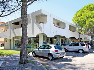 2 bedroom Apartment in Bibione Pineda, Veneto, Italy : ref 5434301