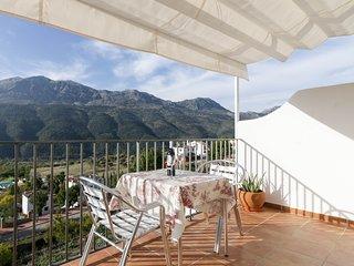La terraza mas guapa de la Serrania de Ronda: Casa Martijin