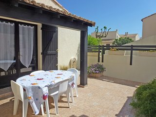 1 bedroom Villa with Air Con, WiFi and Walk to Beach & Shops - 5050289