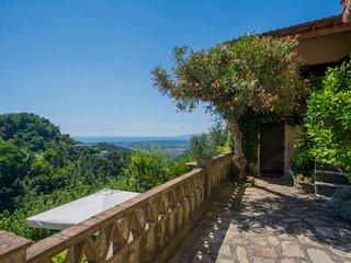 2 bedroom Villa in Camaiore, Tuscany, Italy : ref 5026596