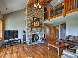 Custom Home w/ Decks in Boulder! Gateway to Parks!