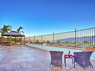 Lake Elsinore Townhome w/ Mtn. Views & Grill!
