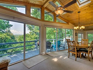 NEW! Spacious Franklin Home w/Long Range Mtn Views