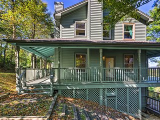 NEW! Boone Home w/ Deck - 9 Miles to Mystery Hill!
