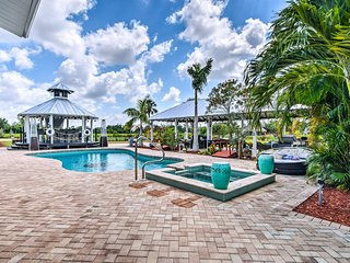 NEW! Bonita Springs Private Oasis w/ Ideal Yard!