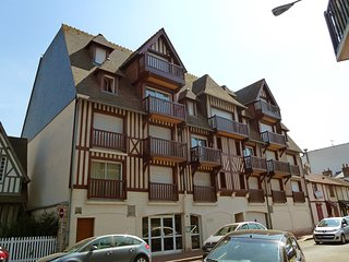 1 bedroom Apartment in Deauville, Normandy, France : ref 5556758