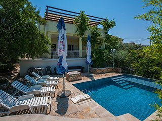 SEAVIEW POOL VILLA FOR RENT SUTIVAN BRAC