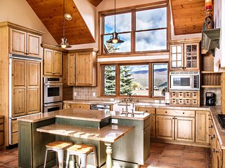 Beautiful Mountain Home with Fireplace and Spectacular Views of Mount Sopris!
