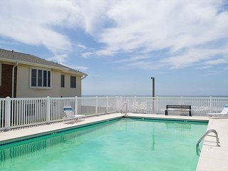 Townhouse style condo with pool!