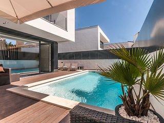 Villa Lilac - New!