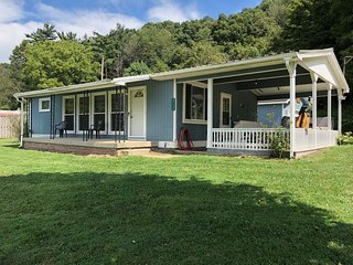 Blue Jay Cabin 1st Choice Cabin Rentals Hocking Hills between Logan and Athens