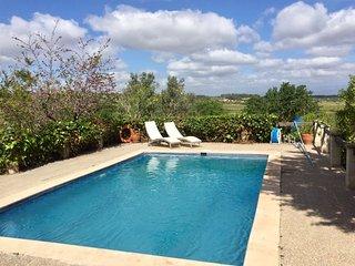Casa de Campo con piscina. Ideal Mallorca turismo rural y rutas ciclistas