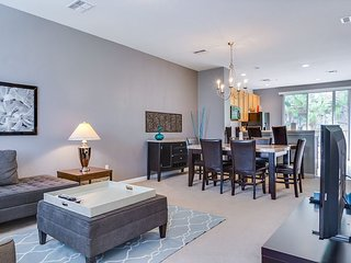 New & Elegant Townhome At Vista Cay Resort