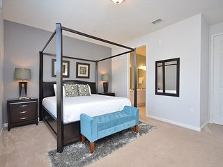 Deluxe 2100 Sqft Condo At Vista Cay Resort Sleeps 8/10 Next To CC