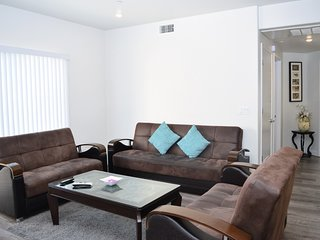 2 Bed/2 Bath w/ Huge Comfy Sofa & Balcony (F48)