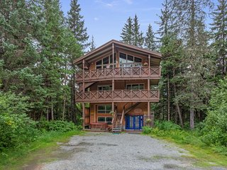 NEW LISTING! Spacious home with private hot tub, 2 kitchens, ski slope views