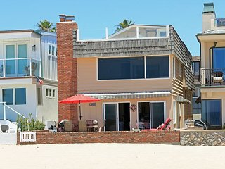Pet Friendly Oceanfront Retreat. Patio on the Sand, Remarkable Views!