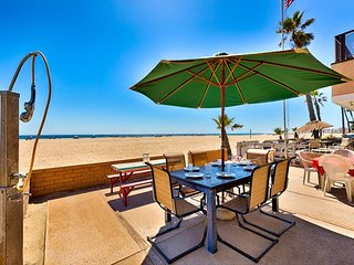 20% OFF NOV + DEC! ON THE SAND w/ Large Patio & Endless Ocean Views!