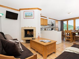 Spacious Chalet for 10 | 300m from the Pistes at Paradiski!