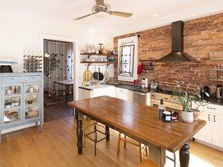 *NEW* Vintage Washington DC Home w/ Retro Kitchen