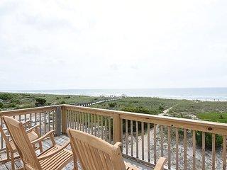 Seaside Cottage - Unique ocean front four bedroom house. Sleeps 10.