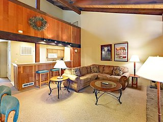 Updated 2BR + Loft Lakeland Village Condo w/ Fireplace, Pool & Private Beach