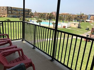 2BR/2BA Stunning Gulf Coast View Condo, Sleeps 6! Winter Texans Welcome!