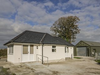 CERIW, open-plan, all ground floor, in Bontnewydd