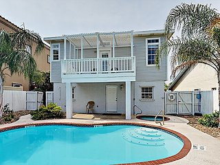 3BR, 3BA Family-Friendly South Padre House – Short Walk to Beach and Gulf