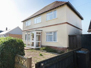 4 RIBY ROAD, dog friendly, near sea, Felixstowe