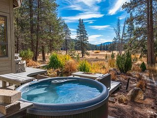 New Listing! Expansive Tahoe Donner 5BR w/ Deck, Hot Tub, Sauna & Game Room