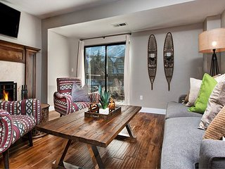 Renovated 2BR Condo at the Foot of Park City Mountain Resort