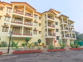Elegant 2 BHK with a shared pool and a swim up bar