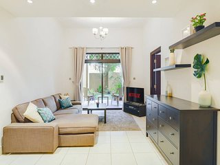 ★ Premium Spacious Apartment With A Private Garden