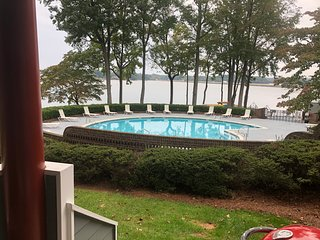 Waterfront, 1st Floor Condo, Steps from Saltwater Pool