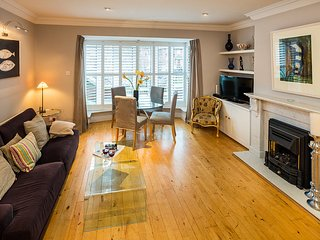 LUXURIOUS DUPLEX 2BR-2BA IN THE HEART OF BALLSBRIDGE!!