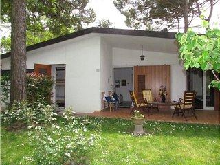 Beautiful single villa with spacious private garden