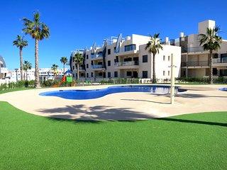 New Apartment 500m to Playa ElisaBay, Mil Palmeras