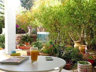 Liat Suite - Garden Apartment
