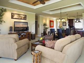 WAI'ULA'ULA D201-PANORAMIC OCEAN VIEWS /PLATINUM GOLF RATES & BBQ! FREE WIFI