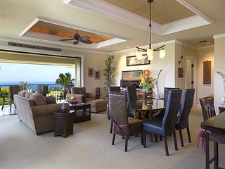 Wai'ula'ula D201-OCEAN VIEWS/PLATINUM GOLF RATES, BBQ, FREE WIFI, TV with DVR