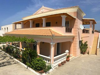 Lovely and conveniently located 2 bedroom Apartments villa in Acharavi