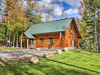 NEW! Otter Creek Cabin w/Swimming Hole, Waterfalls