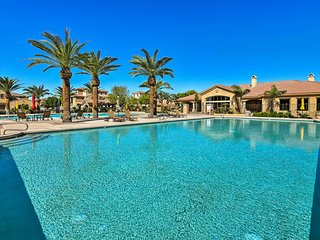 Central Mesa Townhome w/ Resort Amenities & More!