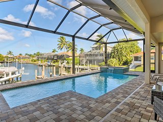NEW! Canalfront House 2 Blocks to Tigertail Beach!