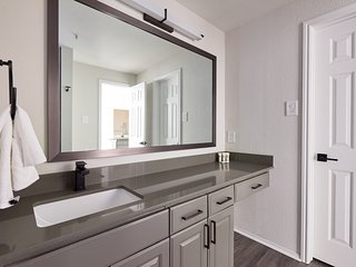 Sophisticated 1BR on South Congress by Sonder