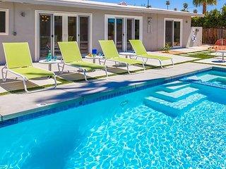 Club Retro in the Sun - Palm Springs! NearTown!