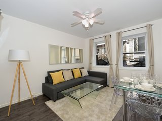 Extraordinary 3 Bedroom Apartment at Midtown West, 9th Avenue